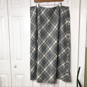Kate Hill gray plaid 💯% wool skirt, fully lined